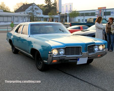 Oldsmobile delta 88 custom (Rencard Burger King avril 2012) 01
