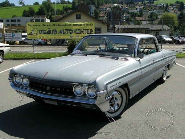 oldsmobile super 88 holiday hardtop sedan 1961 a