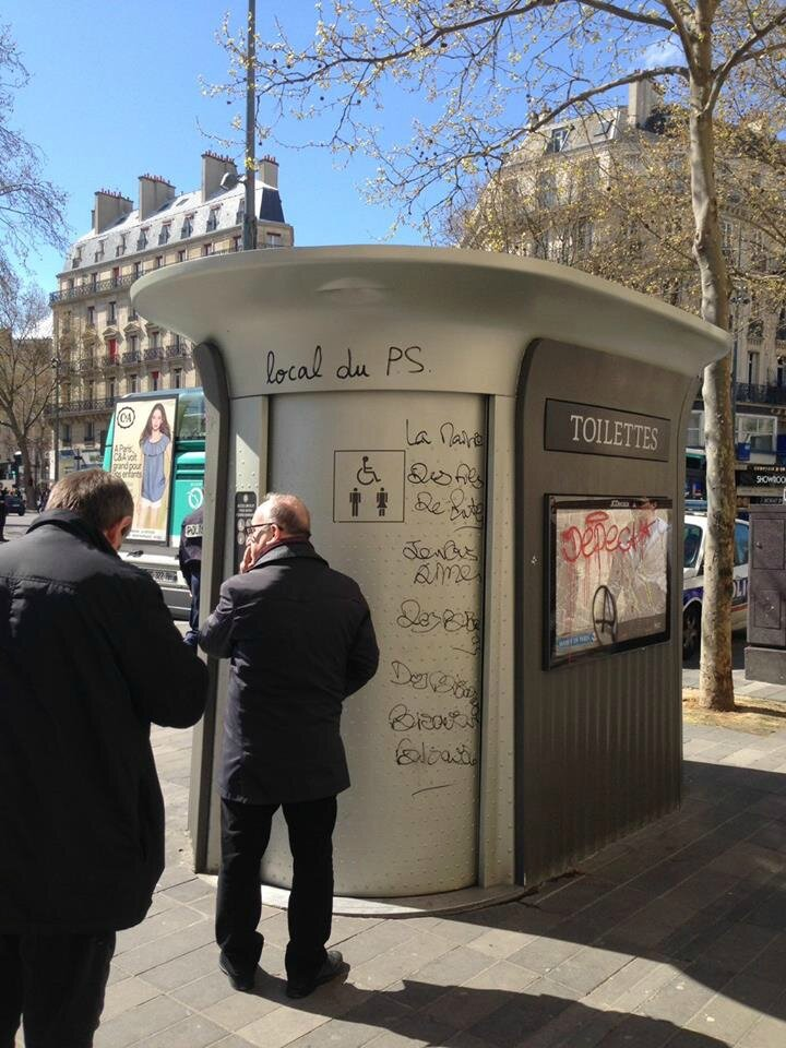 ps hollande humour wc
