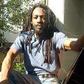 Si Anthony Johnson a grandi en Jamaique, c'est entre sa terre natale et l'Angleterre qu'il a vécu sa carrière d'artiste reggaeman.