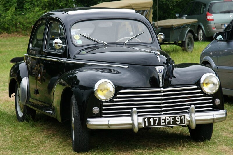 Peugeot_203_-_Flickr_-_besopha