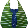 Rayé vert cravate bleu étoilé
