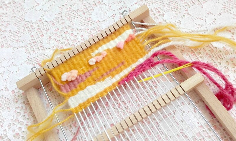 tissage-rose-jaune-blanc