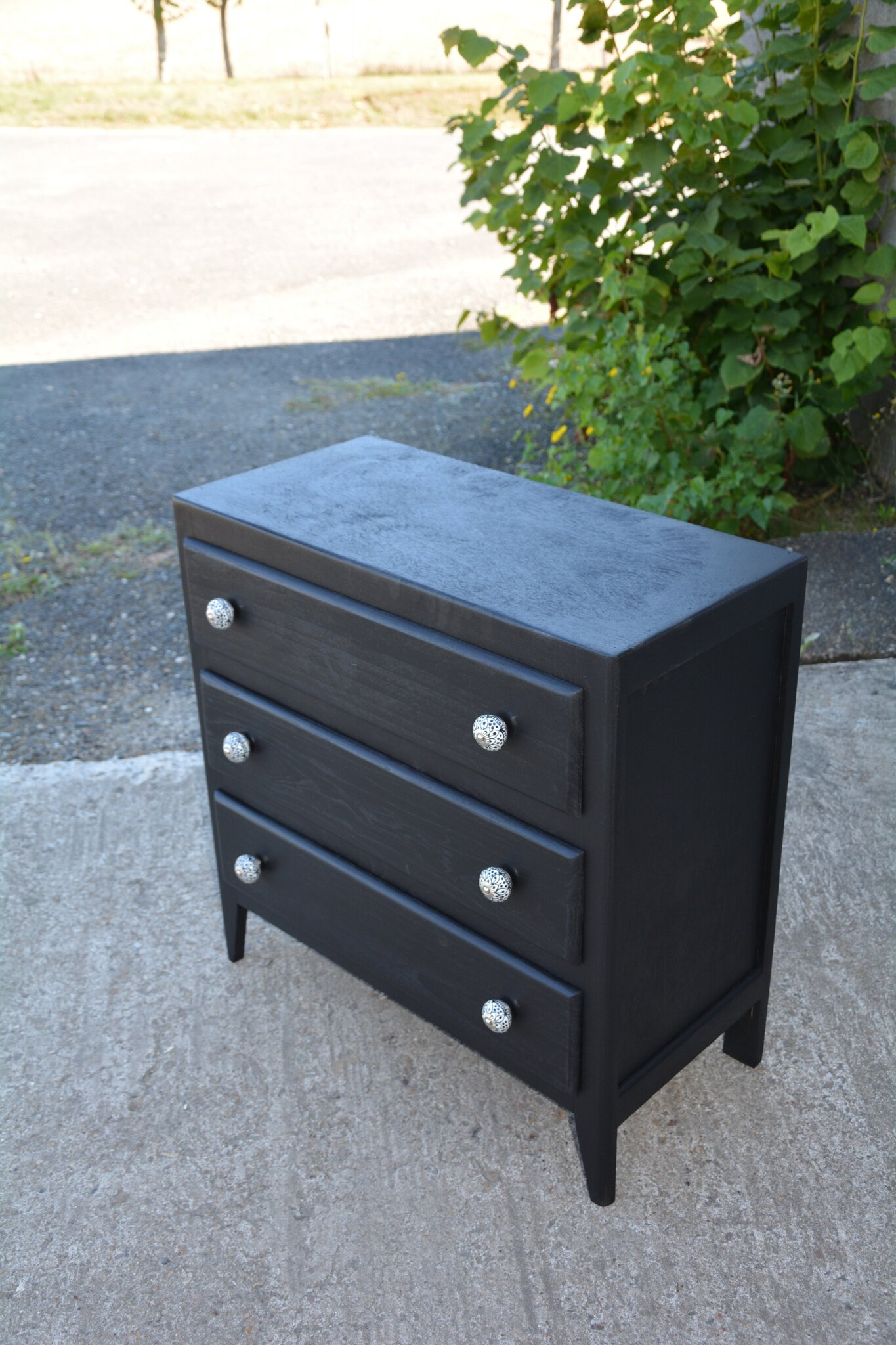 commode ancienne noire la petite brocanteuse. Black Bedroom Furniture Sets. Home Design Ideas
