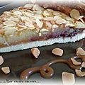 Tarte amandine framboise-litchi & caramel pointe de sel