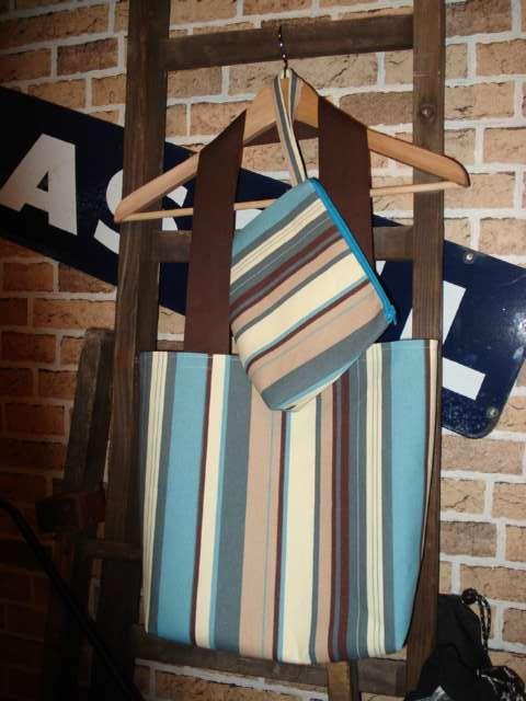 Sac bleu et sa pochette (été 2008)
