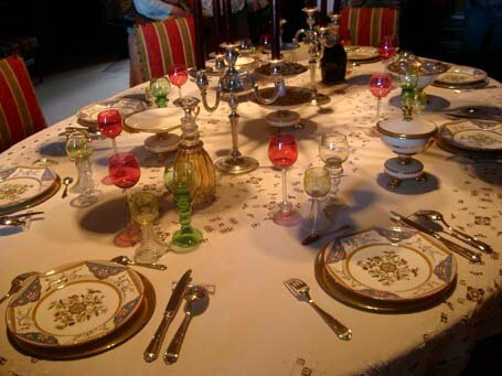 MontreuilBellayChateau table apparat