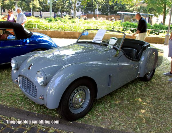 Triumph TR3 roadster avec kit carrosserie (1955-1957)(37ème Internationales Oldtimer Meeting de Baden-Baden) 01