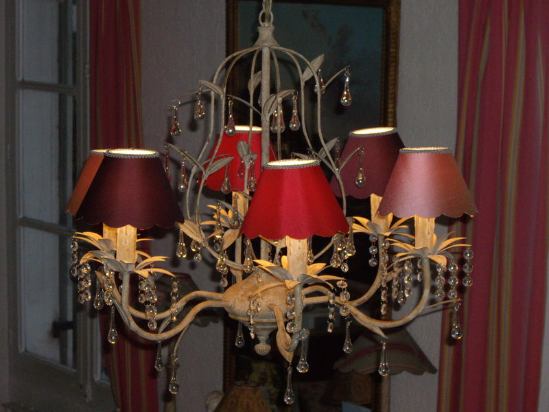 Lustre moderne pampilles abat jour color s photo de for Lustre abat jour