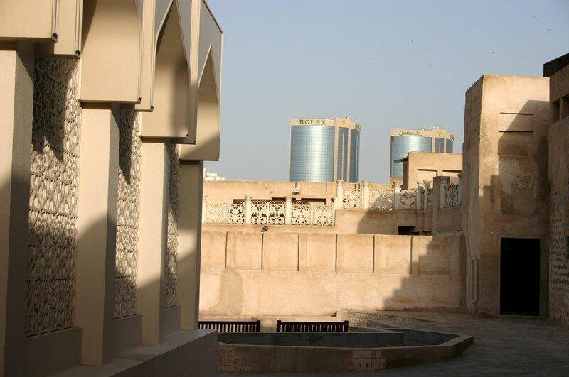 Architecture traditionnelle sous l 39 oeil bienveillant for Architecture traditionnelle