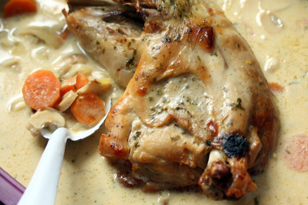 Cuisse de dinde aux champignons carottes et moutarde - Cuisiner cuisse de dinde ...