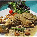 Cuisse de poulet au beurre de cacahuète, crème coco & fruits secs