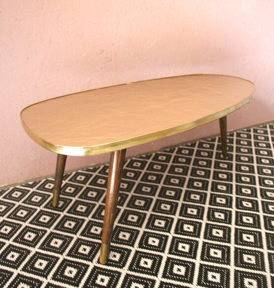 table-tripode-pieds