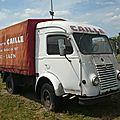 Renault goélette camion léger bâché 1955