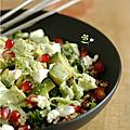 Waaouh ... qu'elle est délicieuse ma salade composée avec du chou kale mariné !