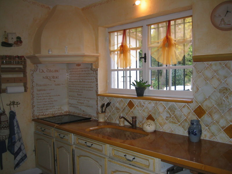 Le soleil entre dans la cuisine la m di vale du luberon - Soleil dans la cuisine ...