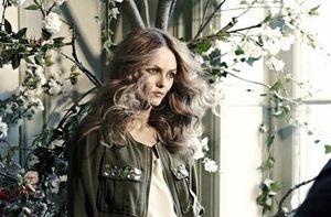 Vanessa-Paradis-est-de-retour-avec-Love-Song_portrait_w532