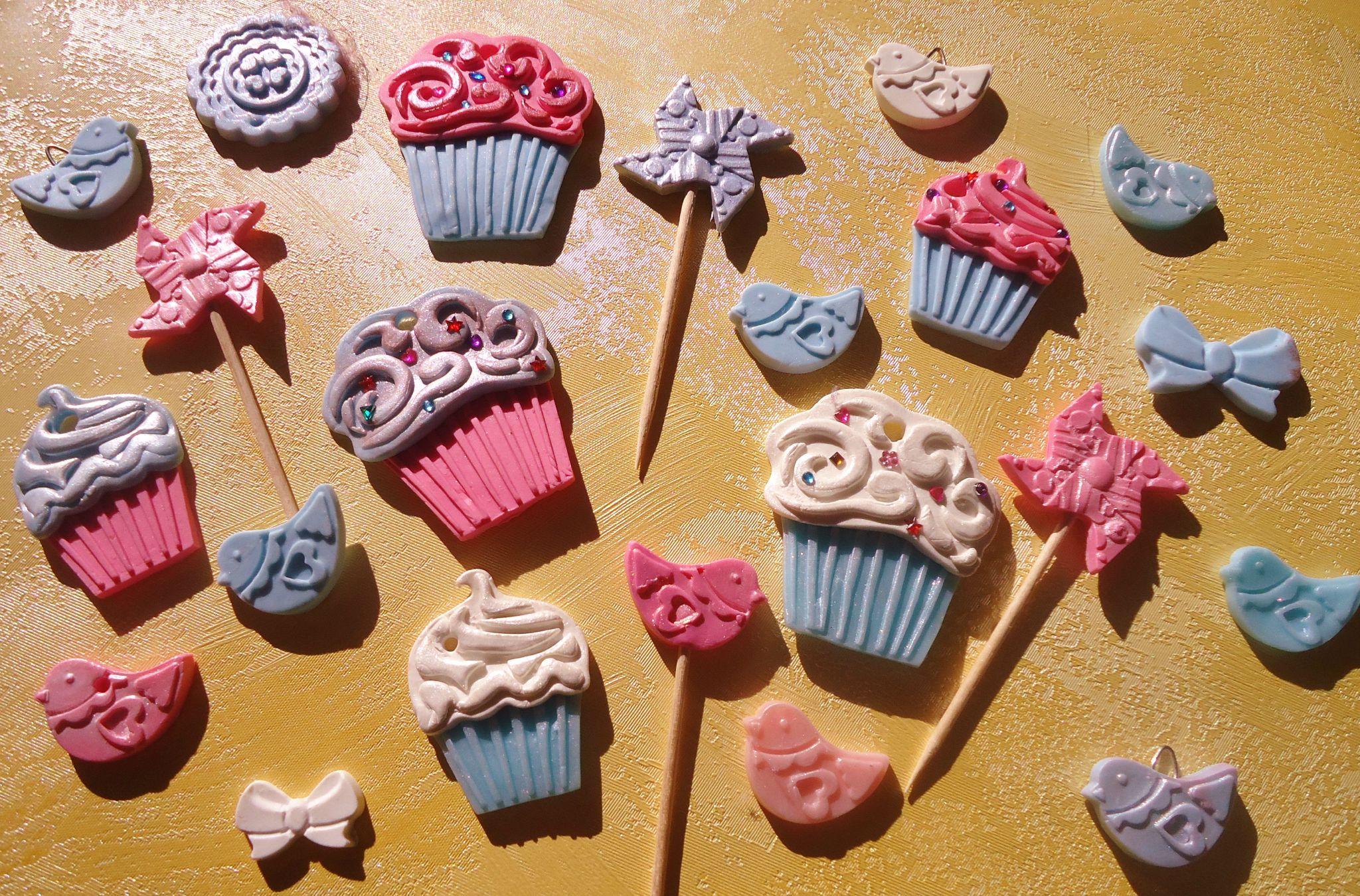 Essai moule sp cial p te sucre avec de la porcelaine - Deco pour cupcake ...