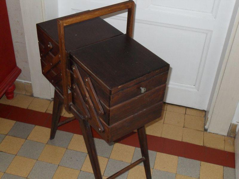 bo te couture vintage gwen jour apr s jour. Black Bedroom Furniture Sets. Home Design Ideas