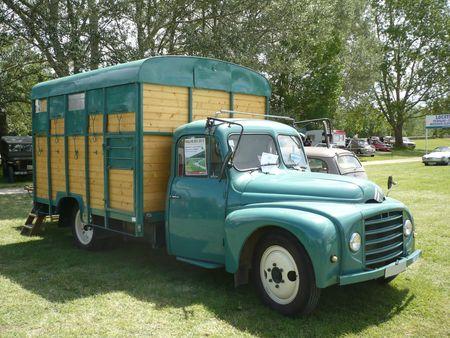 RENAULT U23-50 bétaillère 1960 Madine (1)