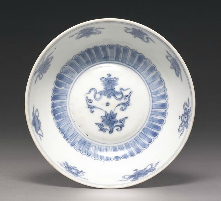A blue and white 'Lion' dish, Jiajing mark and period4