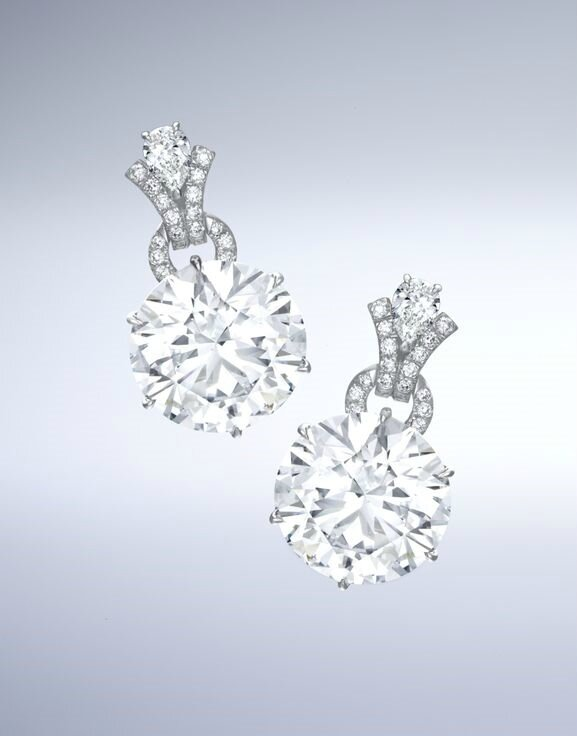Fine Pair of Diamond Pendent Earrings