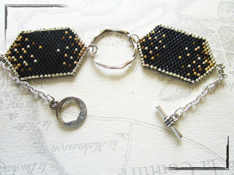 bo et bracelet tissé noirs 004