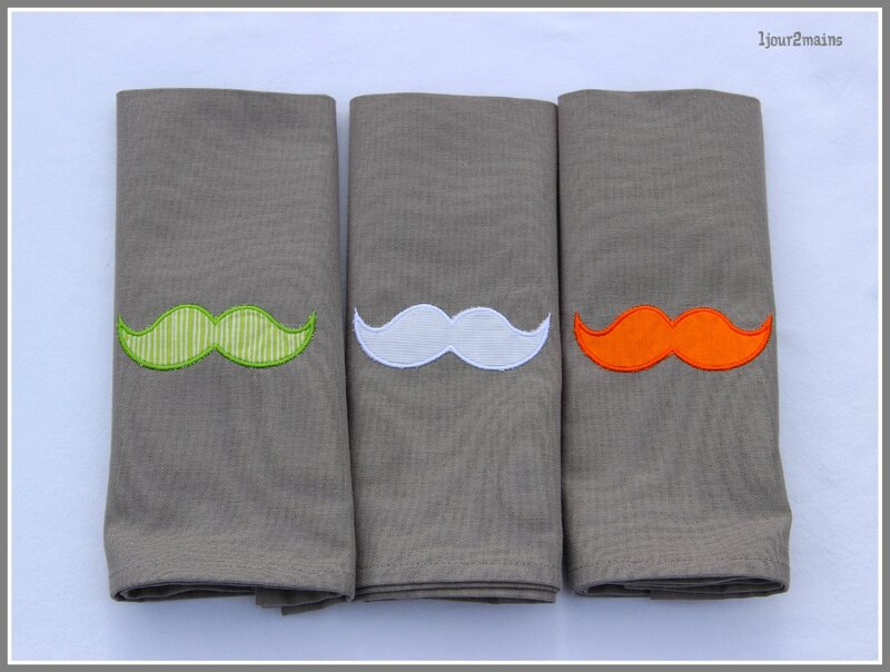 serviettes moustaches