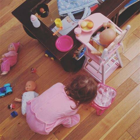 Jouer avec ses bébés ©Kid Friendly