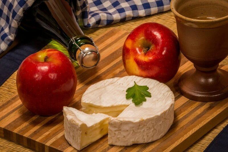camembert-normandie-1068x713
