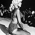 jayne_bikini_leopard-1963-nightclub-3-1