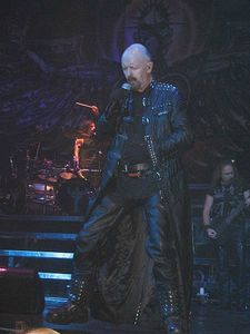 450px-Judas_Priest_Retribution_2005_Tour_Rob_Halford2