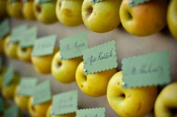 apple_escort_cards_580x385