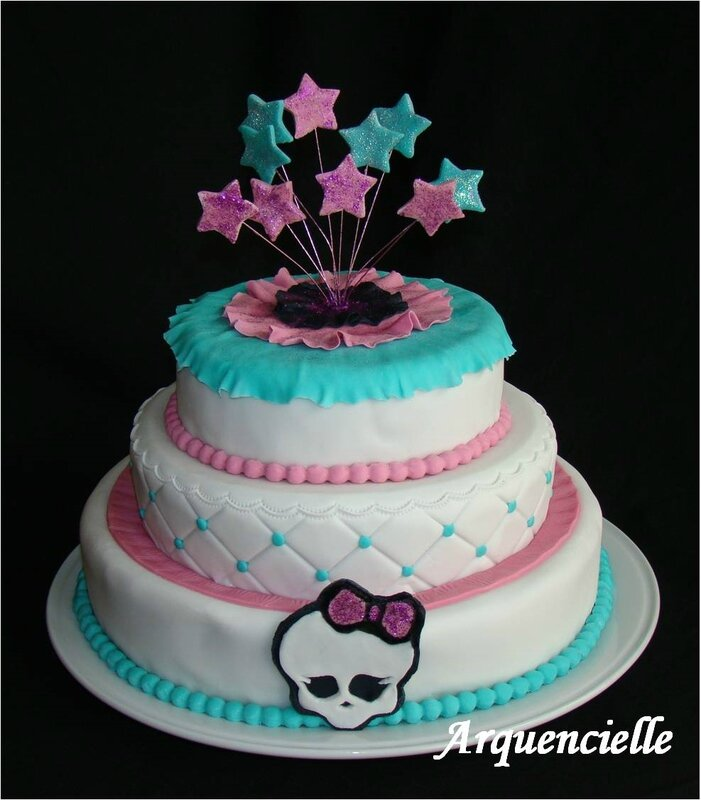 Gâteau Monster high girly étages