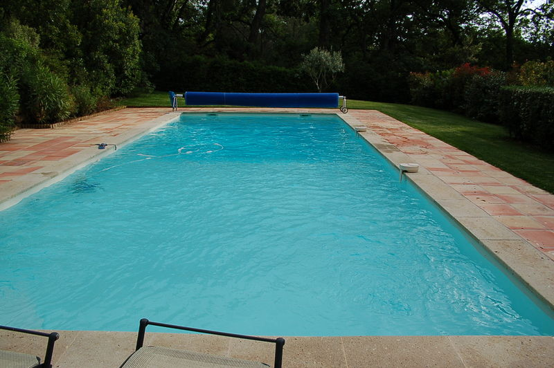 R alisation piscine en polyester album photos for Resine polyester piscine