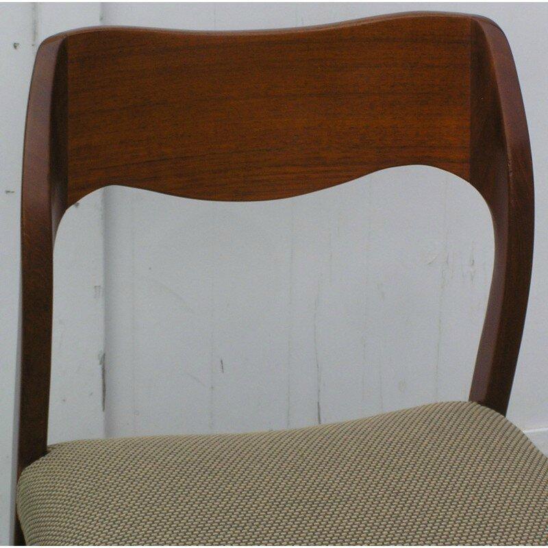NEILS OTTO MOLLER ensemble-de-4-chaises-modele-n-71-en-acajou-du-designer-niels-otto-moller