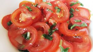 salade tomates marinées ail des ours s2