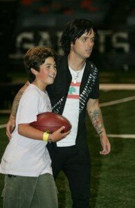 normal_191143_2006_09_24___Billie_Joe_and_Sons_during_rehearsals_at_the_Superdome___New_Orleans___21_1_