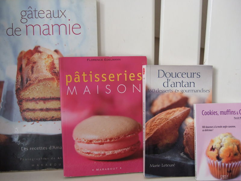Gâteaux de Mamie chez Marabout que j\u0027ai beaucoup offert. Pâtisseries maison  de Florence EDELMANN chez Marabout Douceurs d\u0027antan de Marie LETEURE en  Livre de