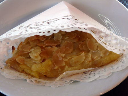 Grimol_e_aux_pommes_du_jardin_et_amandes_effil_es_croquantes_recette_poitevine