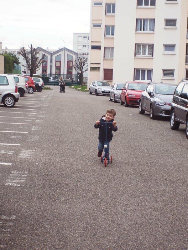 4-trotinette-ma-rue-bric-a-brac