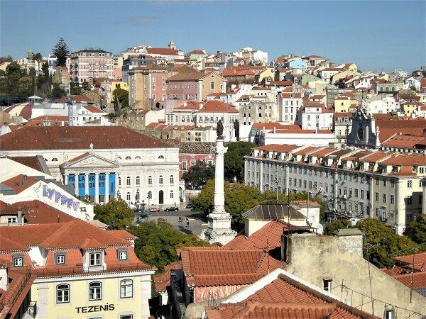 Lisbonne - elevador santa justa - vue sur la place Pedro IV