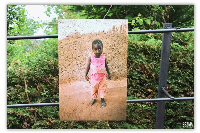 0-sortie-la-gacilly-festival-photo-kids-enfant-afrique-bretagne-morbihan-balade-promenade-idee-blog-bbtma-parents-maman-travel-blogger-french-mum-escapade