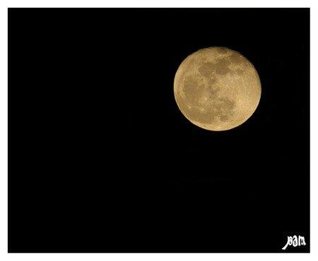 lune_recadre_retouch