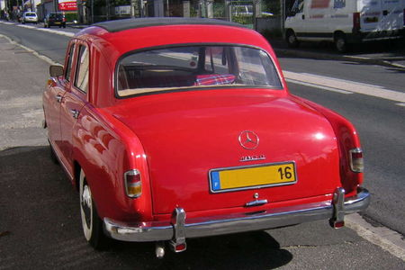 Mercedes180_D_Ar