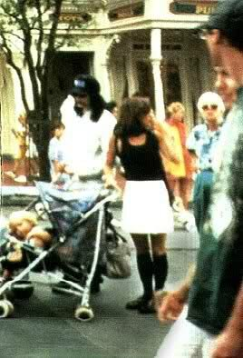 Michael-Jackson-and-Lisa-Marie-image-michael-jackson-and-lisa-marie-36296540-268-394