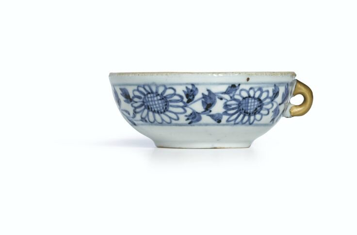 A small blue and white cup, Yuan dynasty