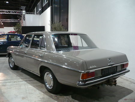 MERCEDES_200_W115_1971_Offenbourg__2_