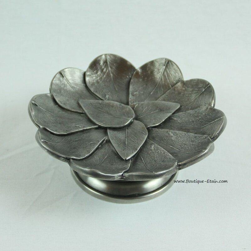 petit-plat-coupe-ou-centre-de-table-d-cor-feuilles