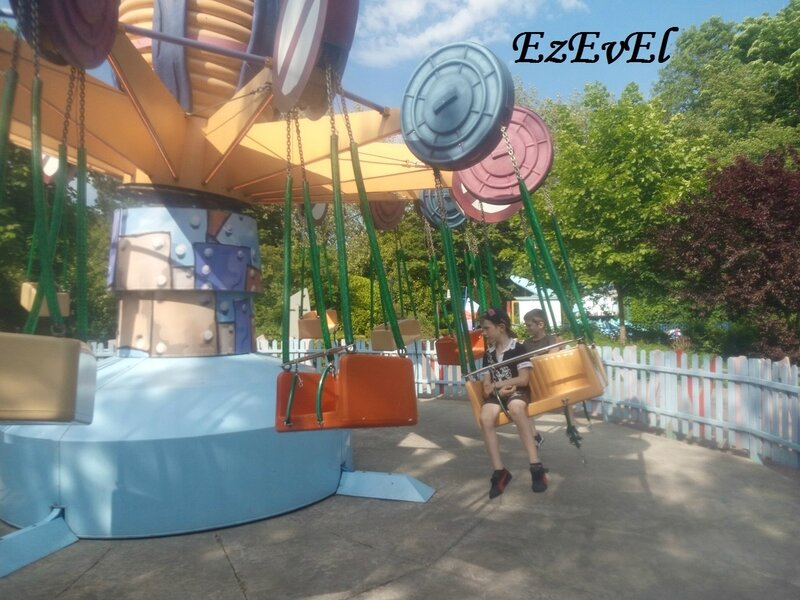 little swing EzEvEl walibi